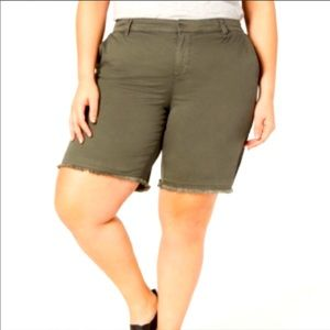 NWT Style & Co Mid Rise Olive Green Shorts 18W